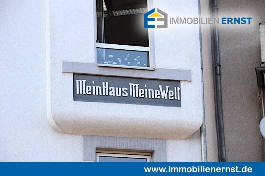 Immobilienmakler Köln Vingst Haus Mit Spruch An Der Wand Mein Haus Meine Welt